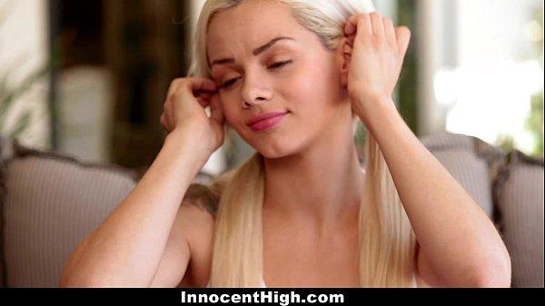 Трахают худую блондинку