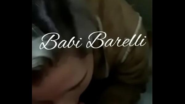 Babi Barelli GP de Porto Alegre, pagando boquete no elevador
