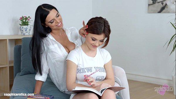 Поруски лизбиянки мама и дочка