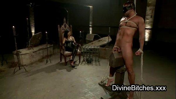 Зачетная фитоняшка занимается с другом жестким сексом на свежем воздухе