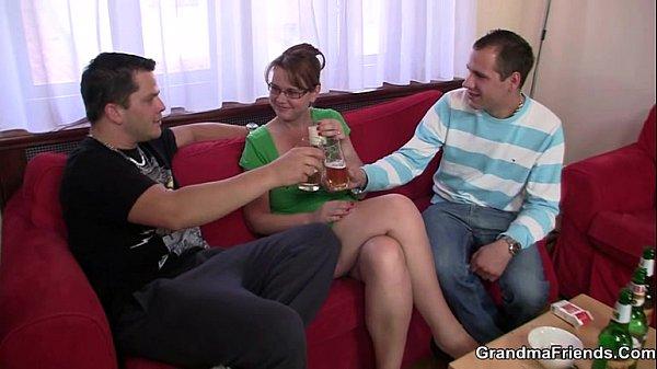 Ебут жену с другом русское реальное, досуг шлюхи на камчатке