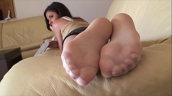Полнометражные порнофильмы колготки онлайн