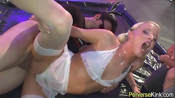 Порно с короткой стрижкой блондинкой