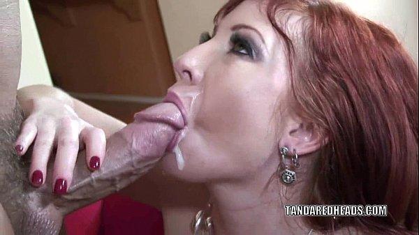 Granny upskirt porn video