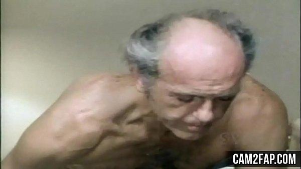 Порно ростов брюнетки с маленькой грудью фото