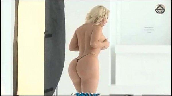 Twerking Nicole Coco Austin