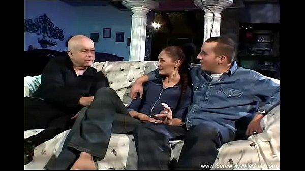 Жена просит мужа организовать оргию