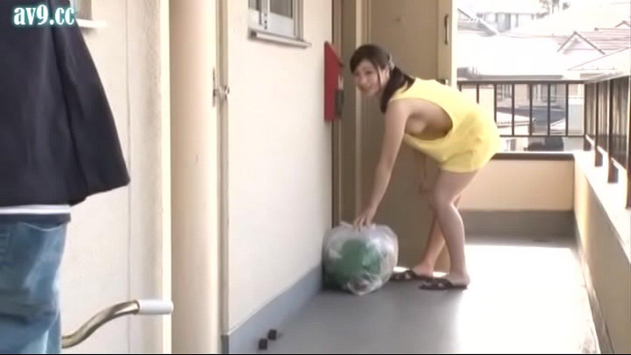 783หนังโป๊สาวใหญ่saoyaixxxเต็มเรื่อง แม่บ้านสาวนมโตพราดท่าโดนจับเย็ดอย่างเสียว แนวครอบครัว