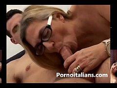 Italian mature granny fucks young big cock - Ma...