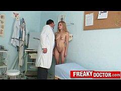 Blonde amateur Sam receives vaginal douche