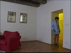 Vermieterin fickt ahnungslosen Mieter - Horny Milf fucks and sucks eroticplanet