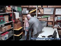 Teen shoplifter gives bj