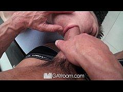 HD GayRoom - Travis gets...