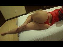 Esposa de calcinha vermelha dando de quatro