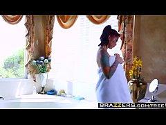 Brazzers - Tearing Up Her Rug Monique Alexander