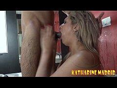 Pegando o sabone na banheira - Katharine Madrid - Big Bambu - Binho Ted