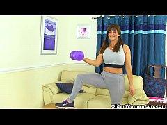 English milf Lelani gets turned on in fitness o...