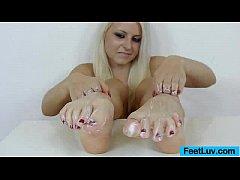 Blonde bare feet presentation