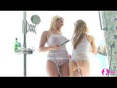 Viv Thomas Lesbian HD - Hot blondes making out ...