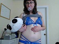 slut helena73 masturbating on live webcam  - fi...