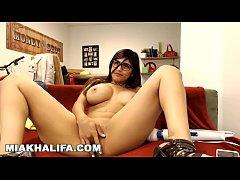 MIA KHALIFA - Big Tits...