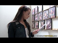 Teanna Trump Gets Creampied At A Glory Hole