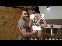 Novinha de 20 anos dando o cu pela primeira vez ( Mariana Torres )