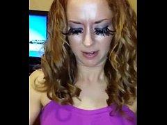 Slut with big Eyelashes Sucks