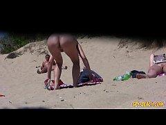 Big PUSSY Lips Close-Up Voyeur Beach Amateurs M...