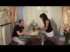 Geile Thai-Hausfrau fickt ehemann
