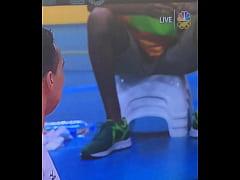 Mexican can't resist to black bulge / Jugador no se resiste a mirar un bulto