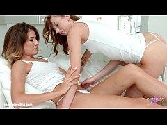 Leyla Peachbloom and Stasy Riviera - lesbian sc...