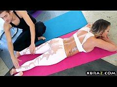 Gym instructor massages into fucks amazing curvy Cali Carter