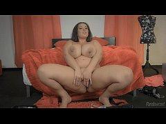 Esposa Tamanho XXL \/ Extra Sized Wife