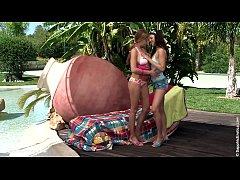 Lusty Toyers sensual lesbian scene by SapphiX