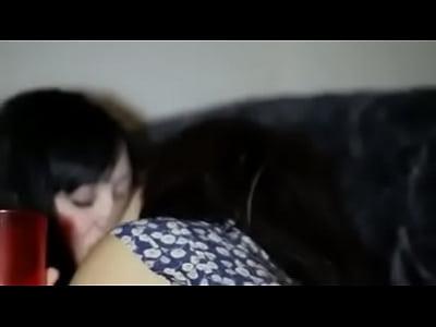 Lesbianas se besan en la fiesta de cumplea