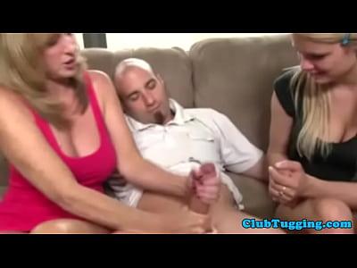 madura cachonda mama muestra de adolescentes cómo tirón