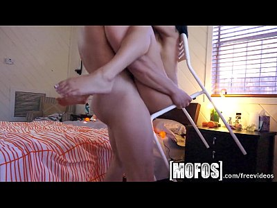 Mofos – Cindy Cruz and her long haired BF make a sex tape
