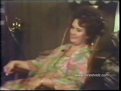 xxx video en A Real Mama's Boy (1973)