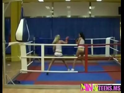 Caliente lesbianas lucha
