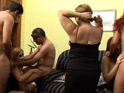 Orgia com Brasileiras - xporno.blog.br