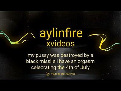 Aylinfire  mi coño fue destruido por un misil negro que celebra el 4 de julio