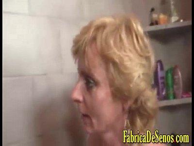 Trio en la ducha de la casa tetonas rubias perforadas por vergon pov anal intenso