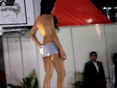 porno colombiano con DESFILE MODELOS CON LENCERIA EN CEMEXPO ECUADOR