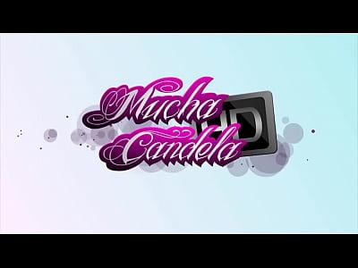 Lucha de chochitos www.muchacandela.com