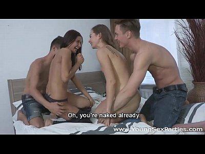 Jóvenes del sexo partes de los adolescentes de tener una casa de mierda de partido