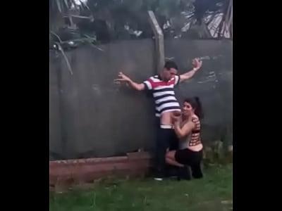 PETE de puta afuera de boliche en zarate parte 2