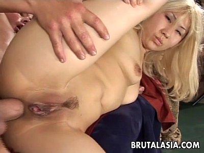 chicas follando con Smoking hot Asian babe gets big cock plowed