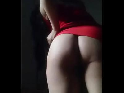 posando desnuda