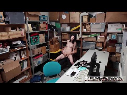 Porno Viol Cu Nepoata Se Masturbeaza Si Dupa E Fututa Pe La Spate